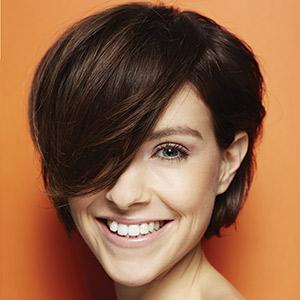 Short hair: Moms request blowouts. // Emon Zaki, Sherif Zaki Salon & the Oasis Spa Greenville, Del.