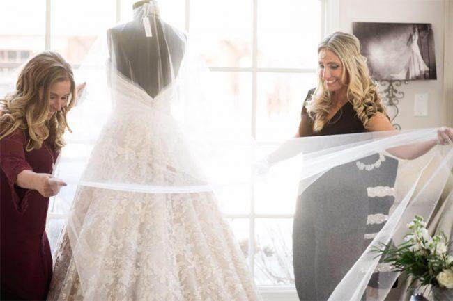 Wedding dress trunk show delaware main line bride for Wedding dress trunk shows