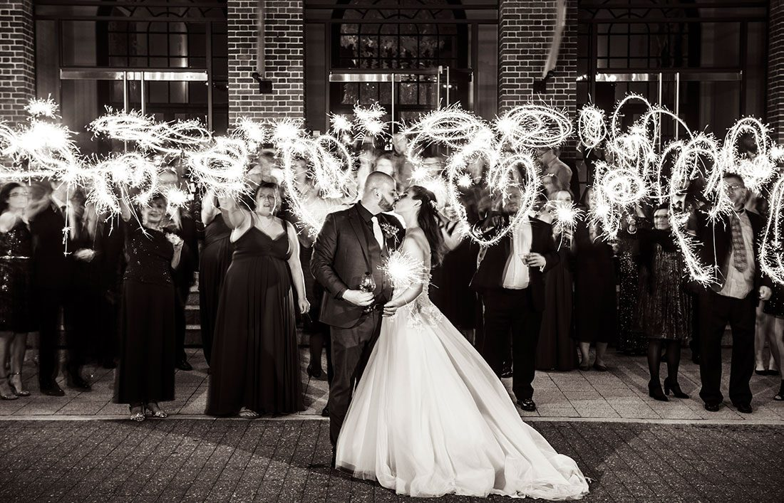 A New Year S Eve Wedding At The Delaware Art Museum