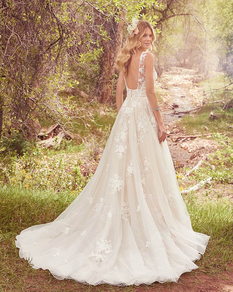 4 Wedding Gowns Perfect for Pear-Shaped Body Types – Delaware Main ...