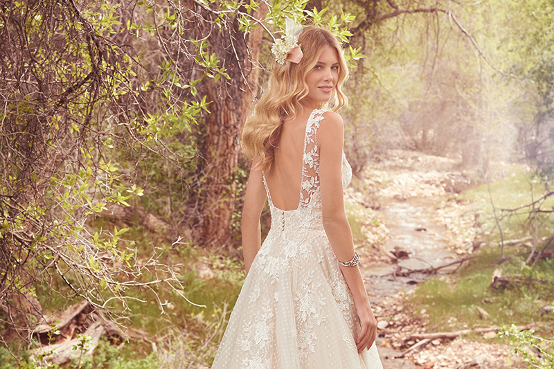4 Wedding Gowns Perfect For Pear-Shaped Body Types